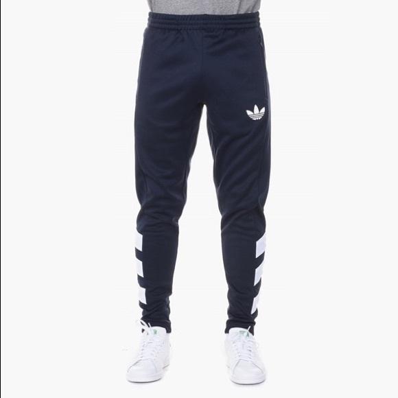 reputable site 92bfc b8568 Adidas originals skinny joggers NWT. M 5c4feda1534ef933c4f5a998